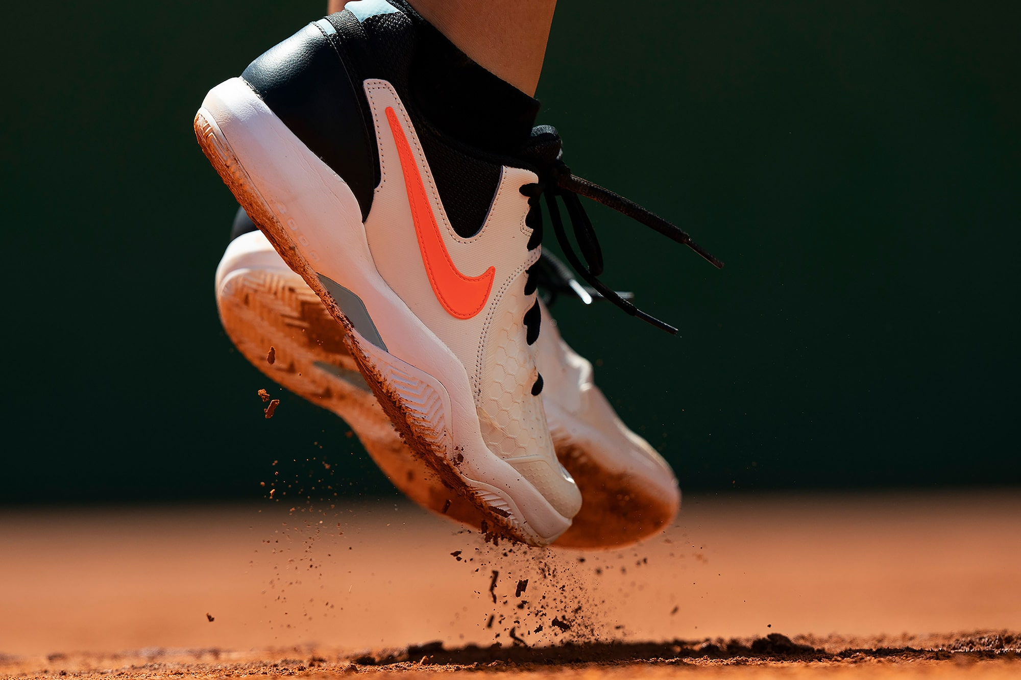 Bob-Martin-sony-alpha-9-tennis-close-up-of-tennis-players-feet-as-they-leave-the-ground-mid-shot