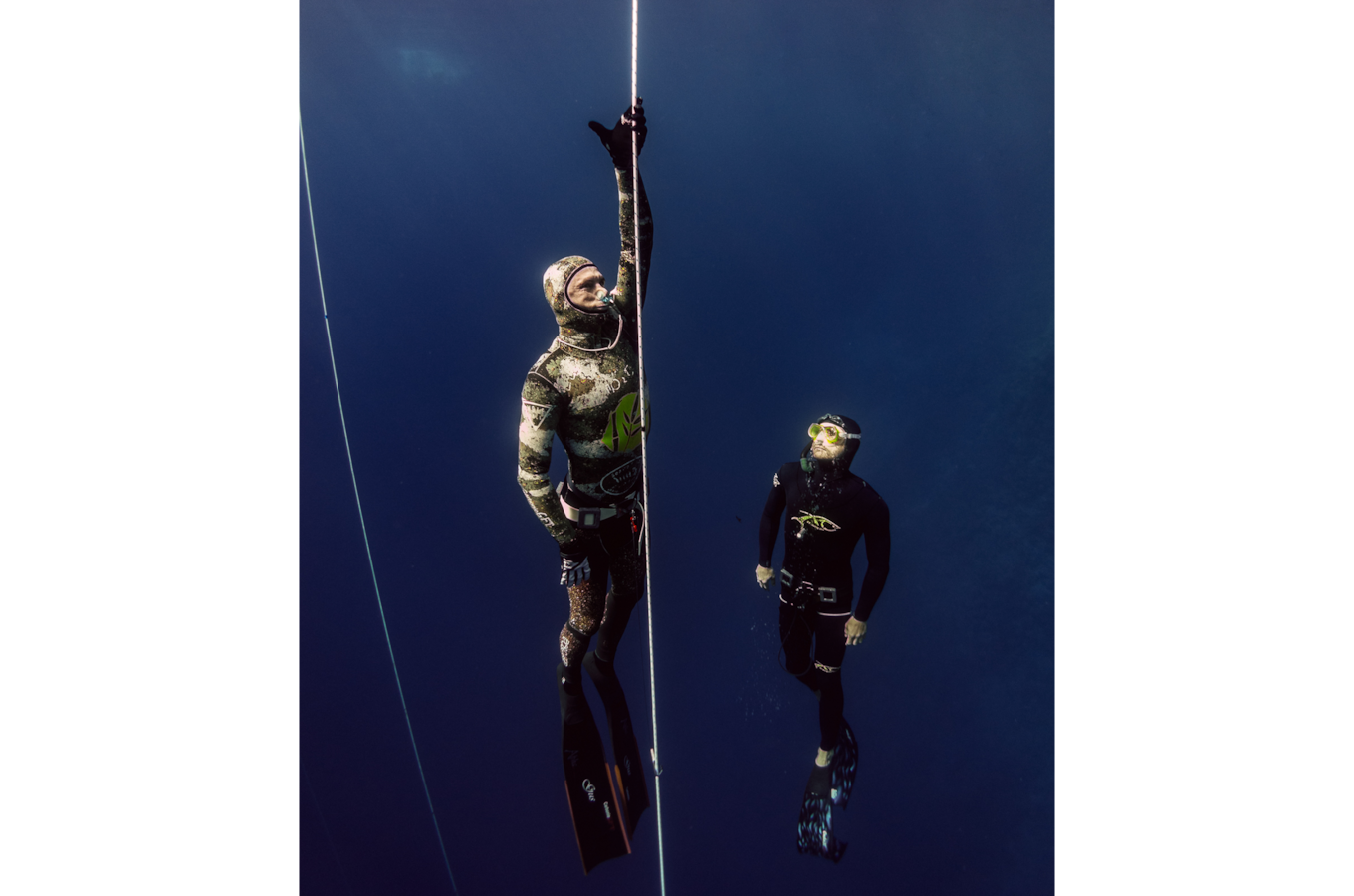 Danas-Macijauskas-sony-RX100M5-divers-preparing-to-rise-to-surface